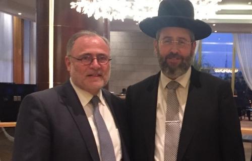 Chief-Rabbi-D-Lau-being-greeted-Mr-David-Blachamn