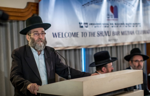 Rabbi-Garni-MK-addressing-the-crowd